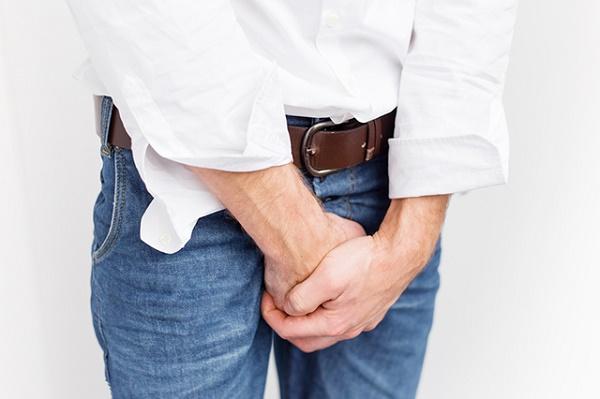 С чем связано недержание мочи у мужчин